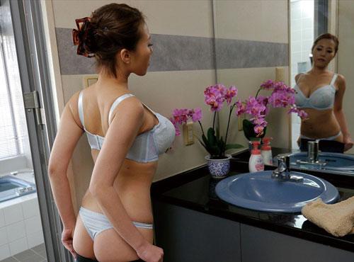 40歳の性動画ゆーちゅーぶ奥様の生着替えの艶っぽさに無許可中出しセックス映像